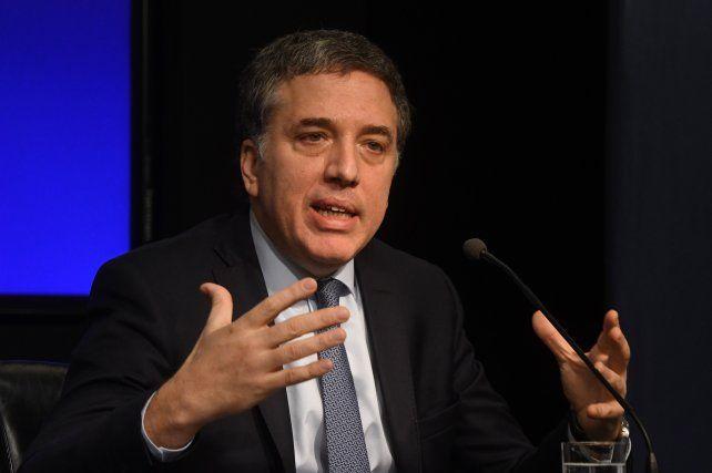 Dujovne ratificó el acuerdo con el FMI para reforzar el giro de  fondos