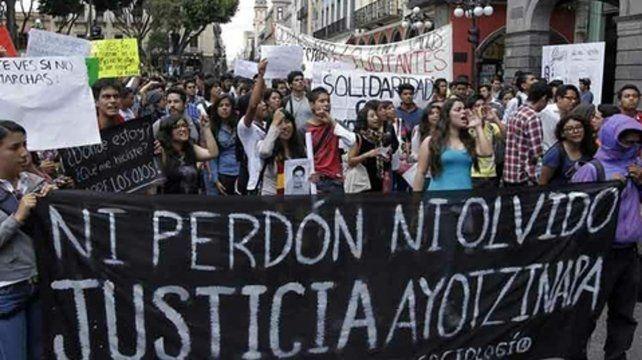 Ayotzinapa. Los familiares exigen memoria