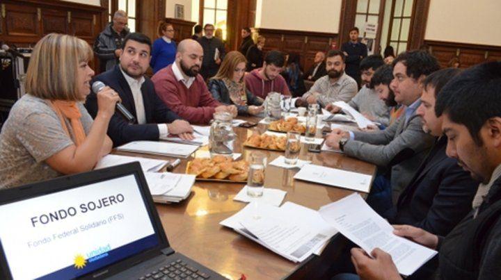 Reclamo. La eliminación por decreto del fondo sojero motivó esta semana una amplia reunión en el Concejo.
