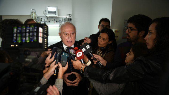 El gobernador defendió el proyecto de reforma constitucional.