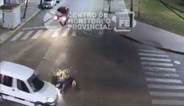 Impactantes imágenes de un choque en barrio Luis Agote