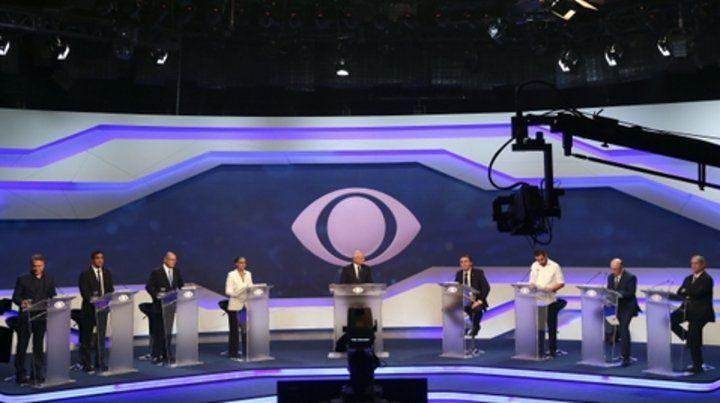 Alto rating. Millones de brasileños vieron el desarrollo del primer debate presidencial por la pantalla chica.