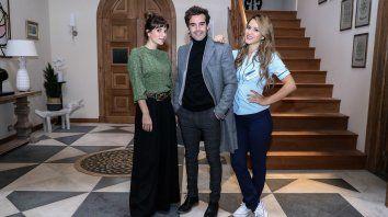 Nico Cabré compone dos personajes, acompañado por Gimena Accardi y Flor Vigna.