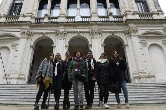 En los tribunales federales. El grupo de madres que presentó el amparo judicial.