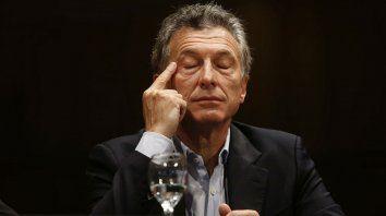 Macri enfrentó ayer otra intensa jornada, esta vez en busca de respuestas para enfrentar la crisis.