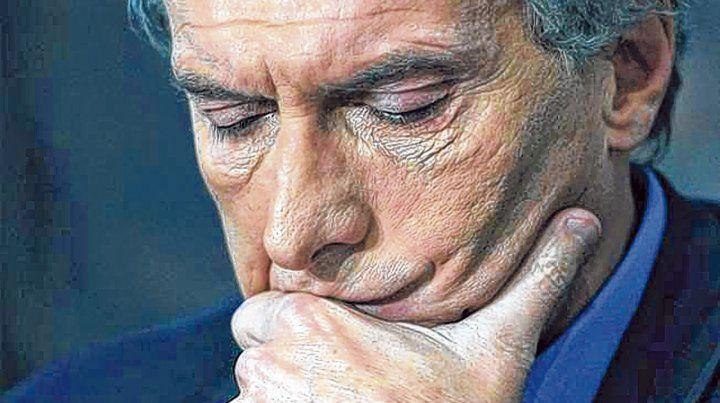dolor de cabeza. Un escenario repleto de malas noticias pone en vilo a Mauricio Macri y su administración.