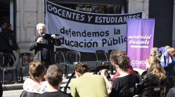 En la calle. Desde el pasado 6 de agosto, los  docentes sostienen la Universidad Itinerante, con clases públicas,  recitales y actos culturales.