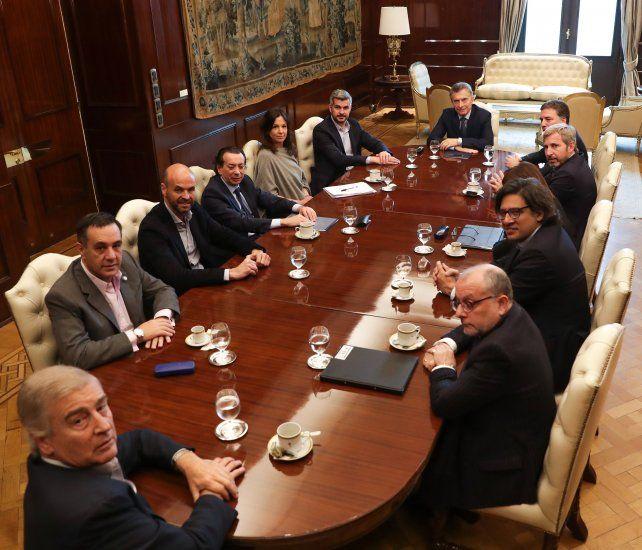 Macri busca relanzar su gobierno con una reducción en el número de ministerios