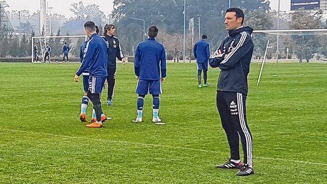 Transición albiceleste. Lionel Scaloni estará al frente del seleccionado mayor ante Guatemala y Colombia