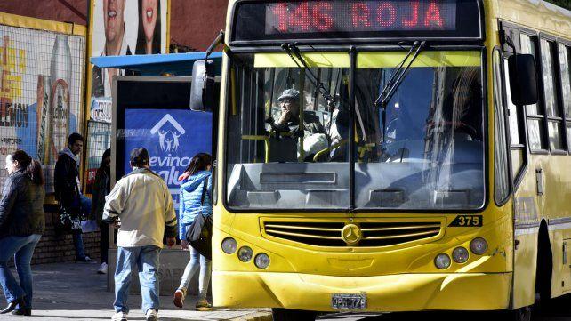 El municipio advierte que la quita de subsidios al transporte representa 8 pesos por boleto