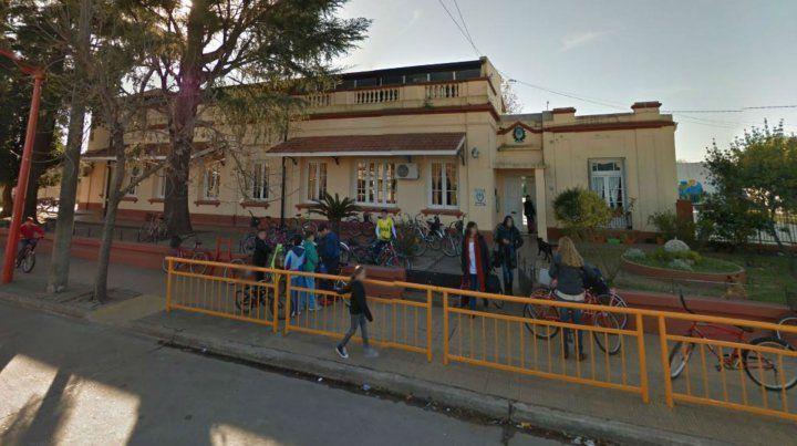 La escuela está ubicada en Arenales 1110 de esa ciudad.
