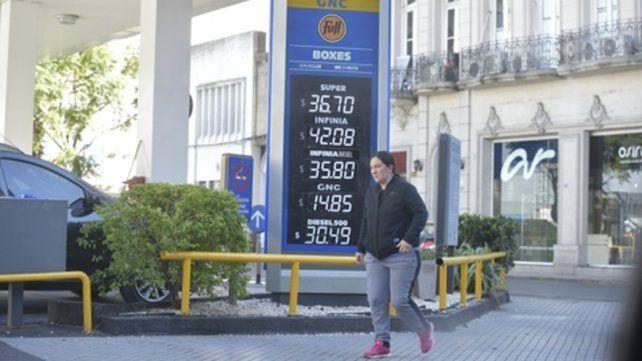 más cara. La petrolera estatal sumó esta suba a la del último sábado.