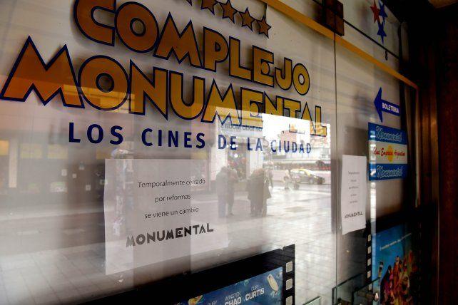 El complejo de cines Monumental reabrirá sus puertas mañana.