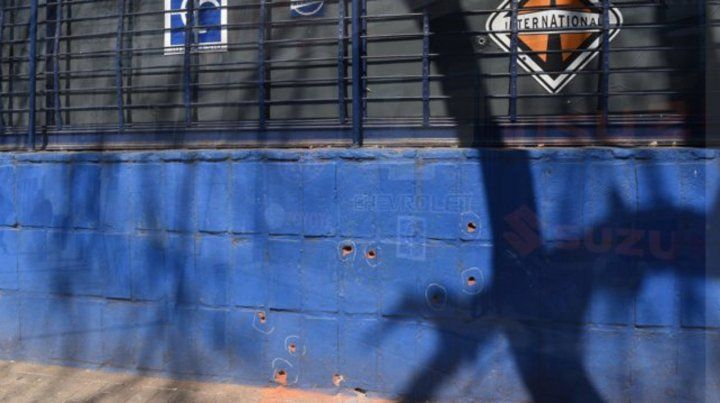 La investigación del ataque a tiros ocurrido la madrugada del martes está en manos del fiscal de Flagrancia Matías Edery.