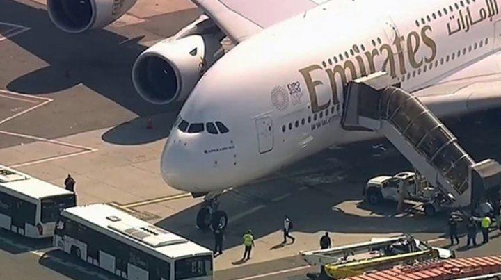 Aislados. Los 521 ocupantes del vuelo EK203 de Emirates están en cuarentena