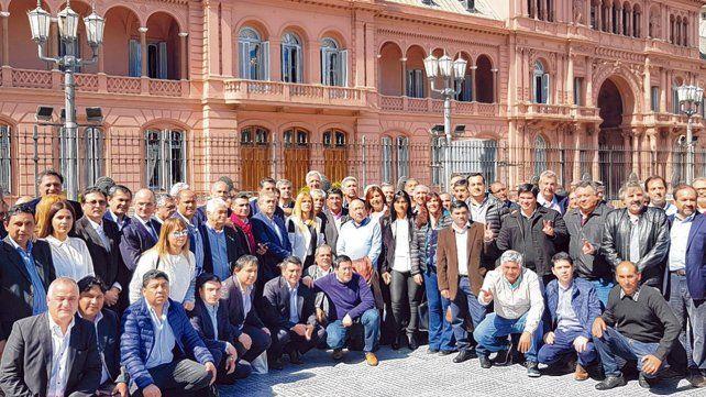 postal. Los intendentes peronistas fueron a la Casa Rosada pero ningún funcionario los atendió.