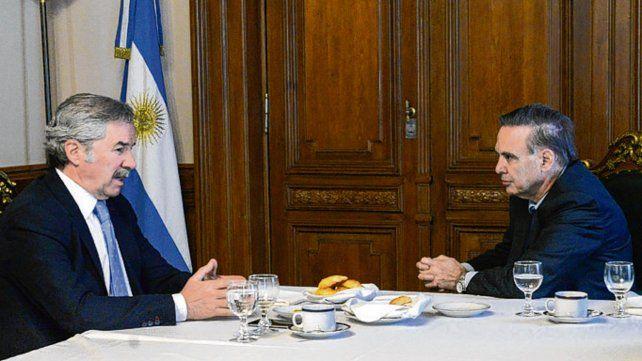 coincidencias. Sola y Pichetto se reunieron para analizar la crisis.