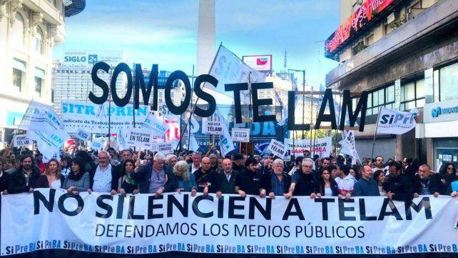 Trabajadores de la agencia Télam marcharon por reincorporación
