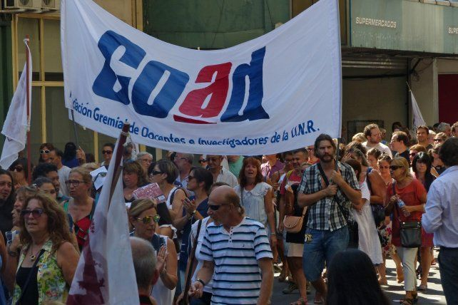 La mayoría de los docentes de Rosario votaron por rechazar el ofrecimiento del gobierno nacional. (Foto de archivo)