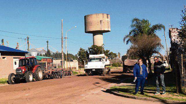 En obra. El jefe comunal Ezequiel Ruani estuvo en la zona de trabajo.