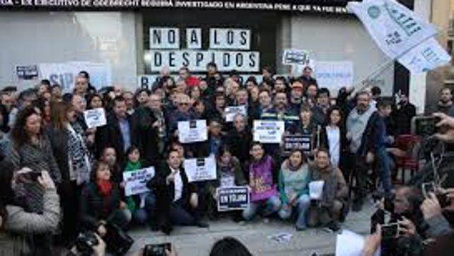 La Justicia reincorpora a 110 de los 357 empleados cesanteados en Télam
