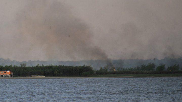 Rosario reclama a Nación aviones hidrantes para combatir incendios en las islas