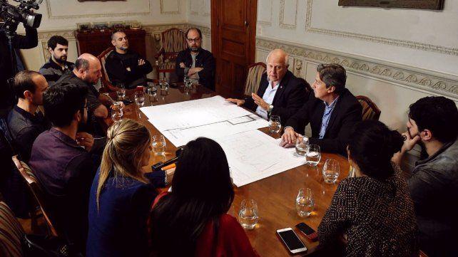 El gobernador Miguel Lifschitz se reunió con periodistas para hablar de los temas de actualidad.