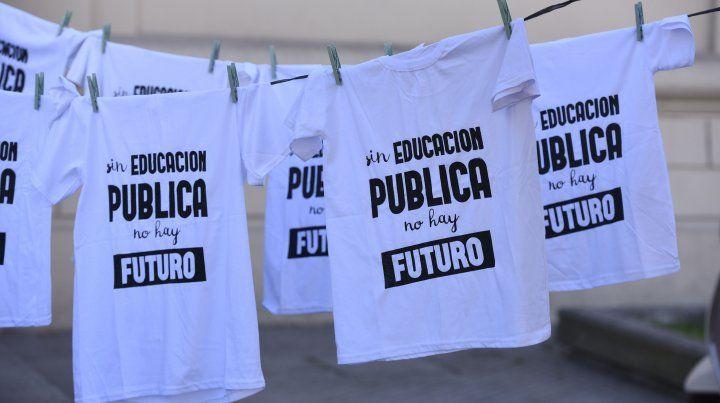 Las manifestaciones en defensa de la universidad pública se multiplican en la ciudad.