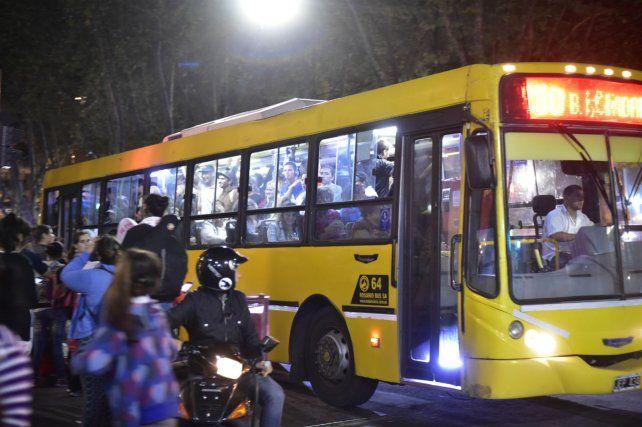 La Municipalidad busca alternativas para que la poda de subsidios al transporte no impacte en el boleto.