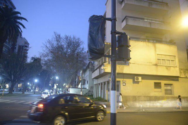 Nuevo. El semáforo de Oroño y Tucumán