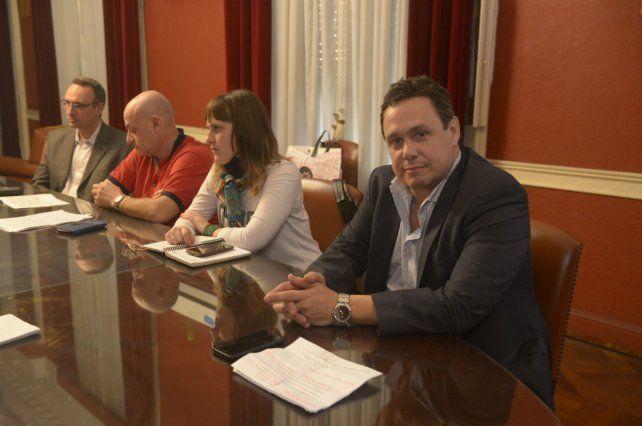 Fuerza Auriazul fue tajante con la actual comisión. Para Larrazábal: Es la peor gestión de la historia.