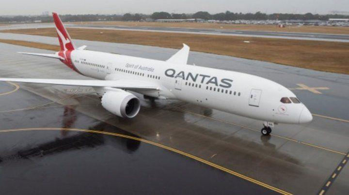 Un pasajero descontrolado hizo regresar un vuelo tras dos horas de despegar