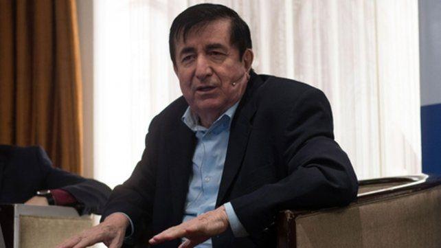 aval al jefe de gabinete. El consultor ecuatoriano denunció una ofensiva brutal contra Marcos Peña.
