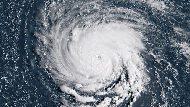 Una imagen satelital muestra al amenazante huracán Florence.