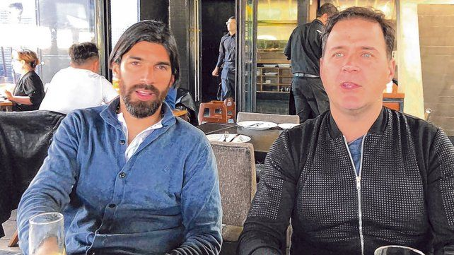Charla y algo más. Abreu y Marty mantuvieron un cónclave en Chile. El Loco recibió a los referentes de Comunidad Canalla en la previa de las elecciones auriazules.