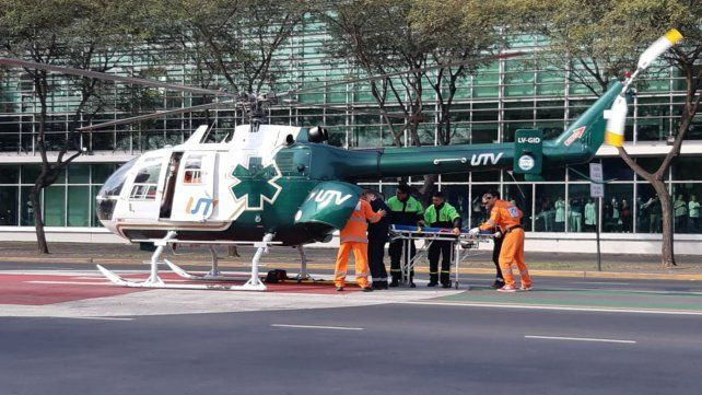 El helicóptero aterrizó sobre la avenida Pellegrini. Hubo un importante operativo.