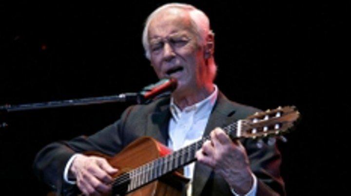 Molina empezó a cantar tangos en los años 70