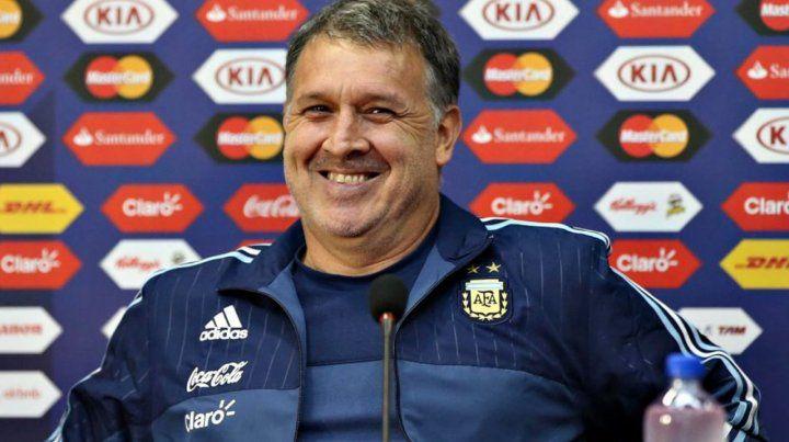 El Tata Martino habló de su futuro y elogió al Chiqui Tapia
