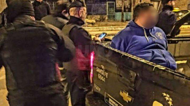 El detenido se resistió al arresto y solo empeoró la situación.