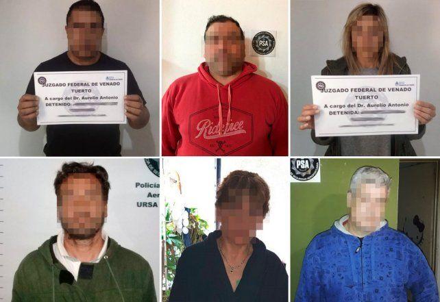 Los seis detenidos por la Policía Aeroportuaria (PSA) hoy en Diego de Alvear.