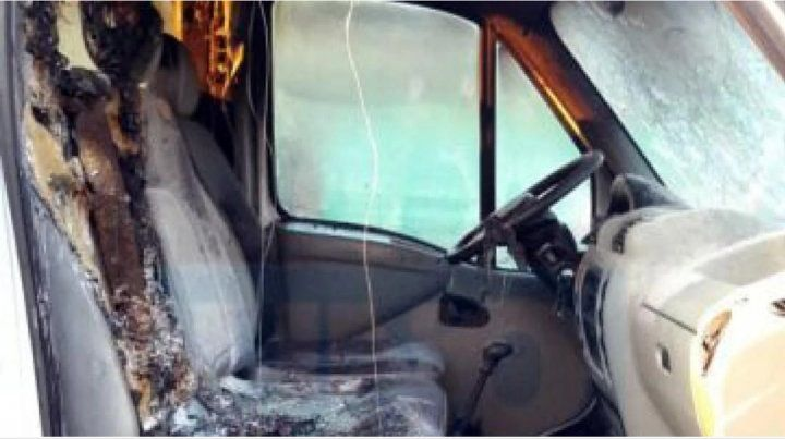Descubrió que su pareja le era infiel, le incendió la camioneta y terminó presa