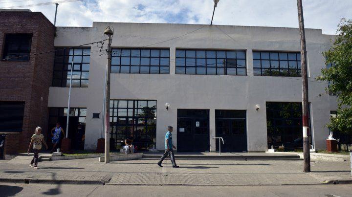 La víctima está internada en el Hospital Gamen de Villa G. Gálvez.