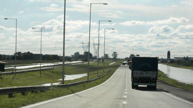 El tramo de la autopista entre Carcarañá y Roldán es el más peligroso.