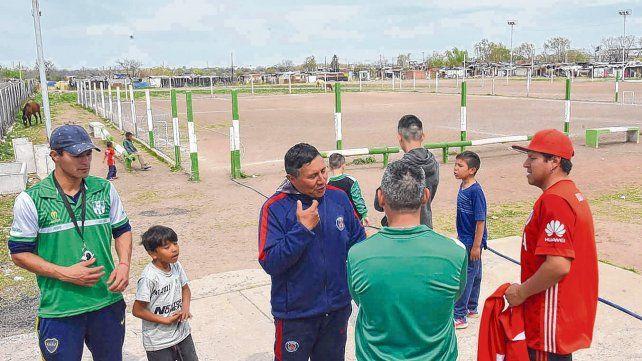 Angustia. Entrenadores y padres se mostraron preocupados y volvieron a insistir en la necesidad de contención para con los chicos.