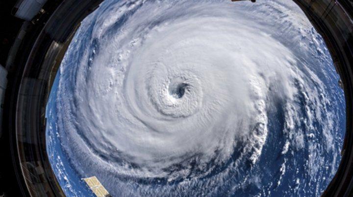 Florence. El huracán fue fotografiado y filmado ayer por la Nasa.