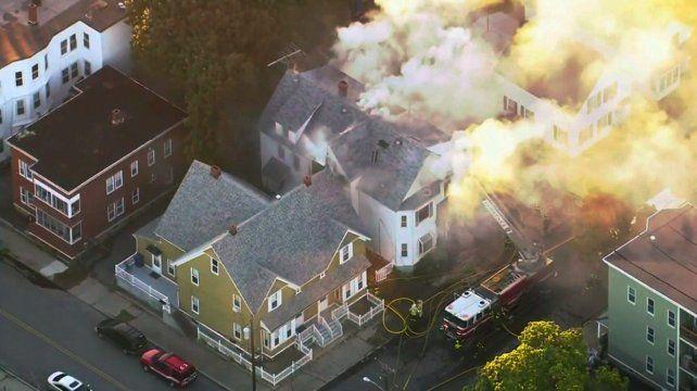 Más de veinte casas se incendiaron por explosiones de gas