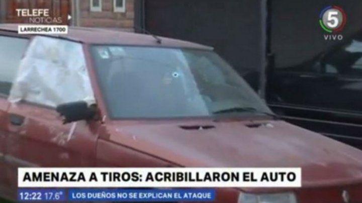 Misterioso ataque a tiros contra un auto estacionado