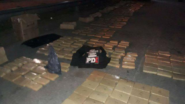 La marihuana incautada esta madrugada en la autopista a Córdoba.