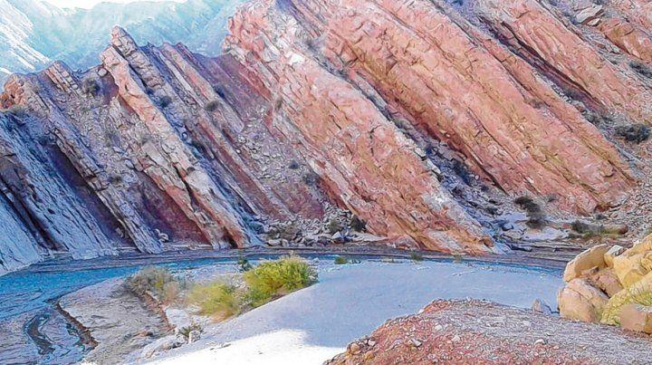 Agreste. Camino a la Laguna Brava está el río La Troya