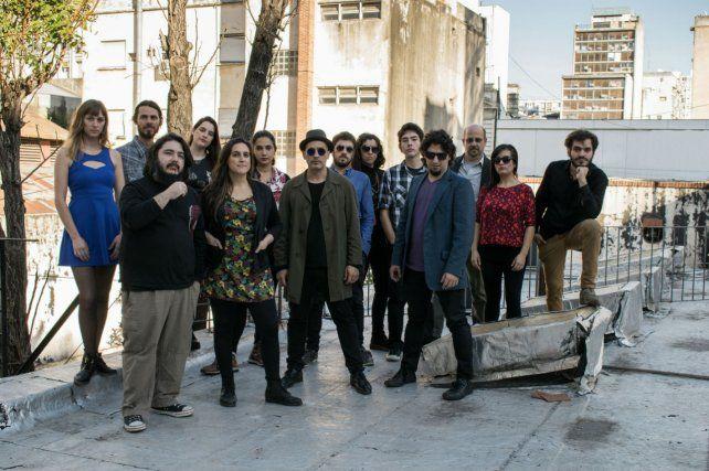 Orquesta utópica. La agrupación rosarina presenta esta noche su segundo disco 147 en Parque España.